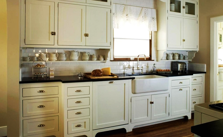 vastu tips kitchen cabinets @TheRoyaleIndia