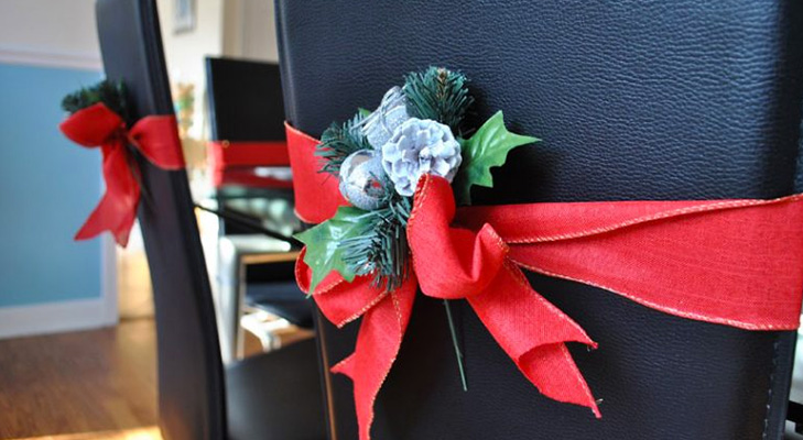 christmas decor ideas decorate chairs with ribbons @TheRoyaleIndia