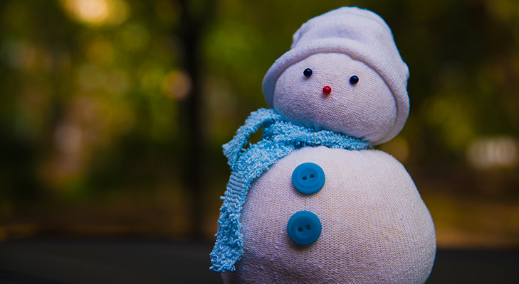 christmas decor ideas sock snowman @TheRoyaleIndia