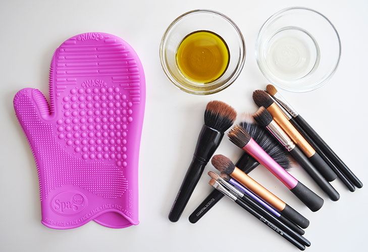 makeup mistakes not cleaning brushes @TheRoyaleIndia
