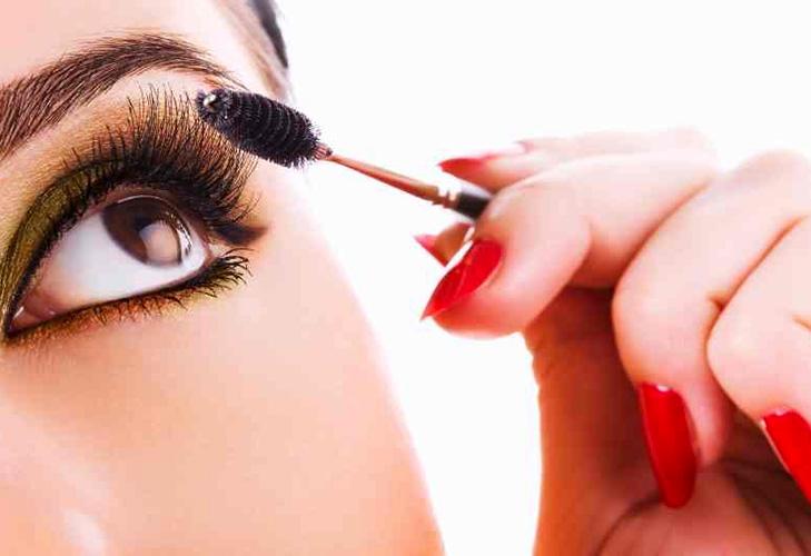 makeup mistakes waterproof eyeliner @TheRoyaleIndia