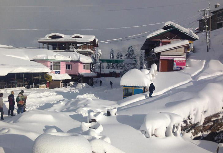 winter honeymoon destination kullu shimla manali @TheRoyaleIndia