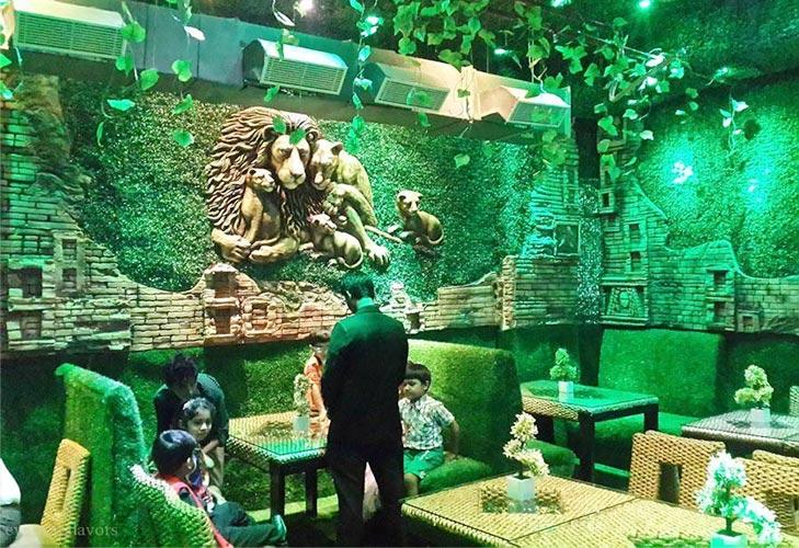 best theme restaurants delhi jungle jamboree @TheRoyaleIndia