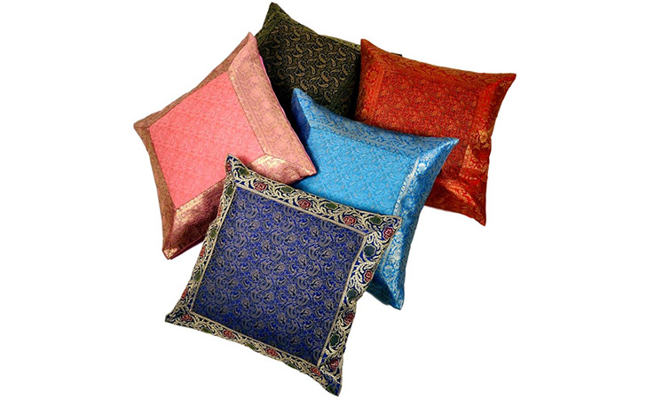 repurpose old sarees cushion cover @TheRoyaleIndia