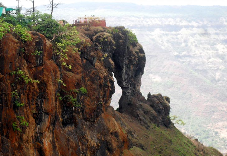 spend april long weekend at mahabaleshwar @TheRoyaleIndia