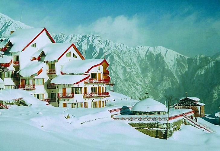 spend december long weekend at auli @TheRoyaleIndia