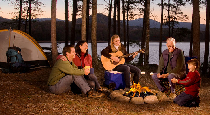 unconventional ways to celebrate new year camping @TheRoyaleIndia