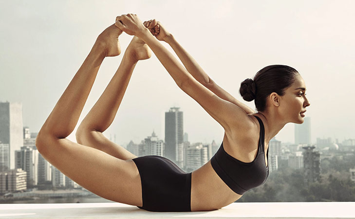 Bollywood fitness freaks on Instagram Lisa Haydon @TheRoyaleIndia