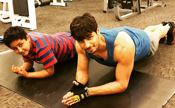 Bollywood fitness freaks on Instagram Sidharth Malhotra @TheRoyaleIndia