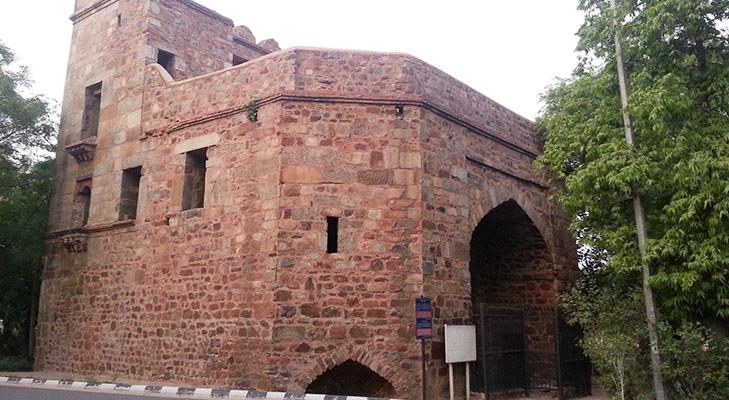 Delhi Landmarks Khooni Darwaza @TheRoyaleIndia