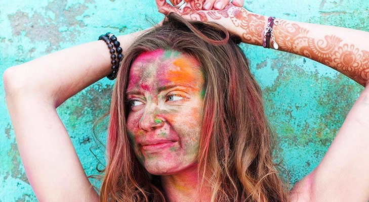Tips to remove holi colour without causing rashes @TheRoyaleIndia