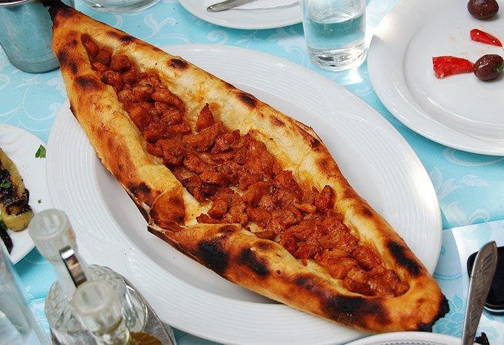 PastrmalijaPizza